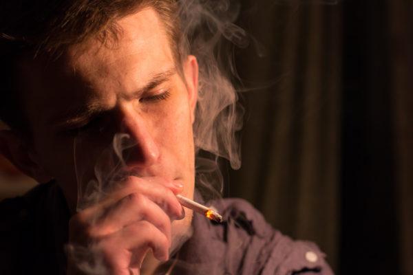 男性のタバコはかっこいい? 女性が思うかっこいい銘柄7選