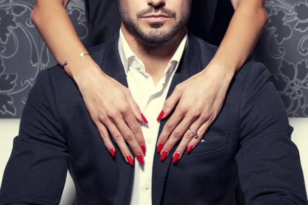 浮気しやすい恋愛体質な女性の特徴