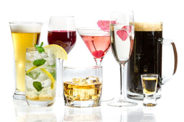 女性が好むアルコールをチョイスする