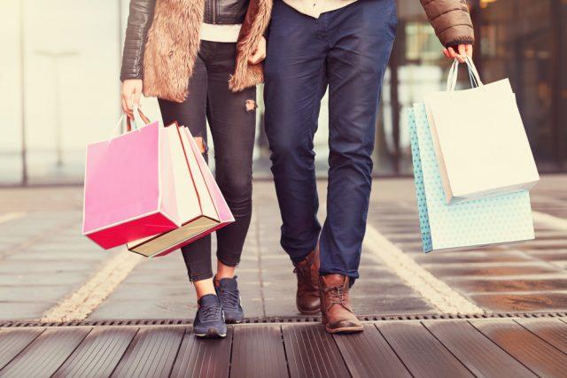 【買い物デート】好感度アップ間違いなし!彼女が喜ぶデート中の行動8つ