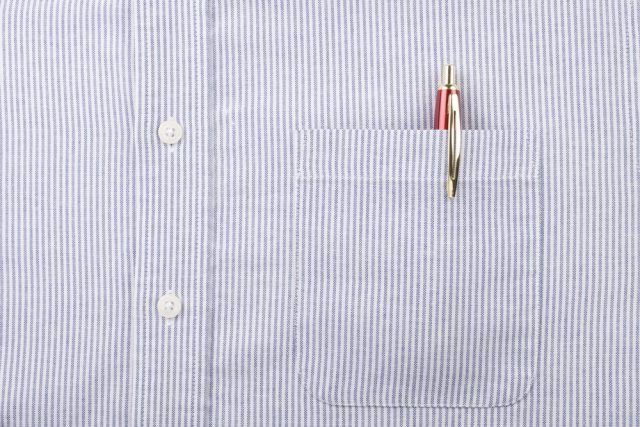 胸ポケットにボールペンはありなのか