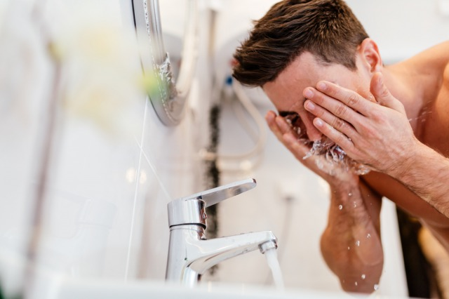 年代と悩み別に厳選。メンズ洗顔料おすすめ15選