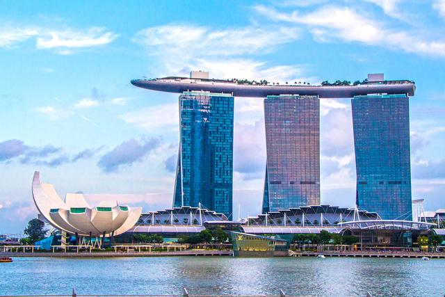 シンガポールの新たな象徴「マリーナ ベイ サンズ」