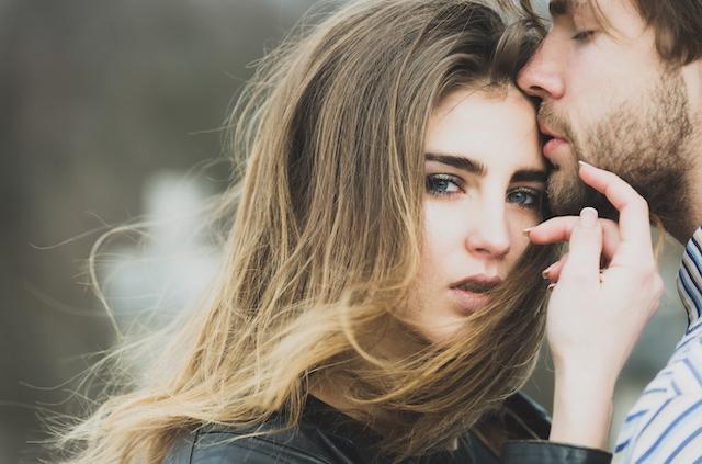 【彼氏持ちの女性を落とす方法】戦略的なアプローチと注意点