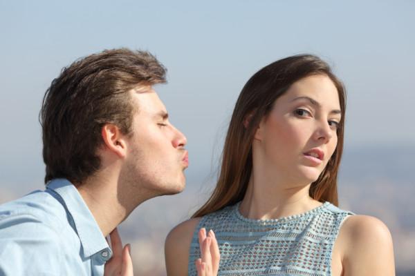 店外デートを無理に交渉しない男性