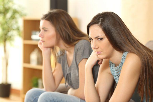 うざい格付けを回避!マウンティング女子の特徴5つと対処法
