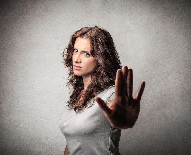 女心が分からない男性の特徴10